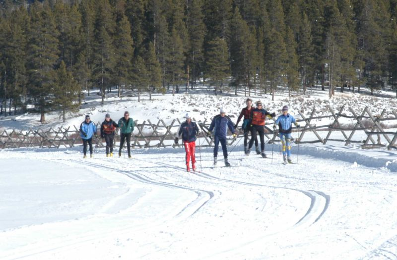 Free Cross Country Ski Lessons – Devil's Thumb Ranch