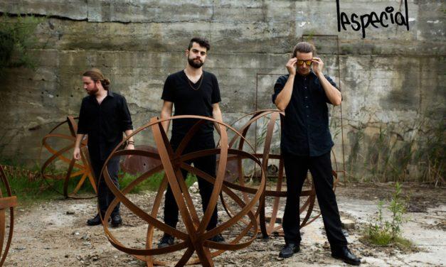 Ullr's Tavern hosts band lespecial Sunday night