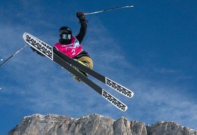 Freesyle Skier Hunter Carey flies to Silver